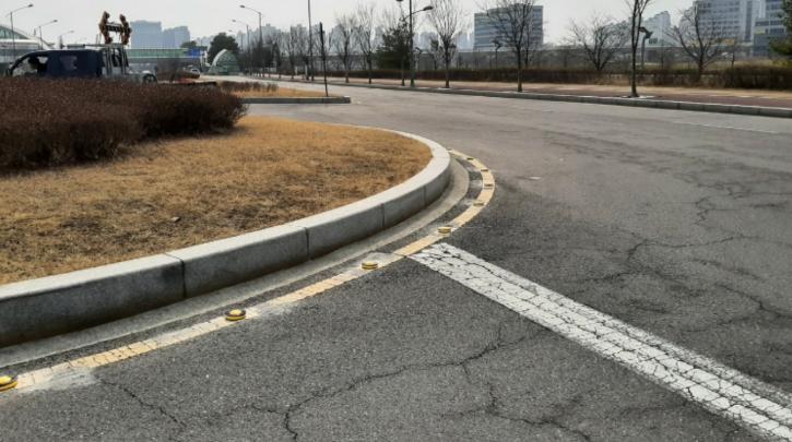파주시 와동동 운정역 앞 A지점 (회전교차로).png